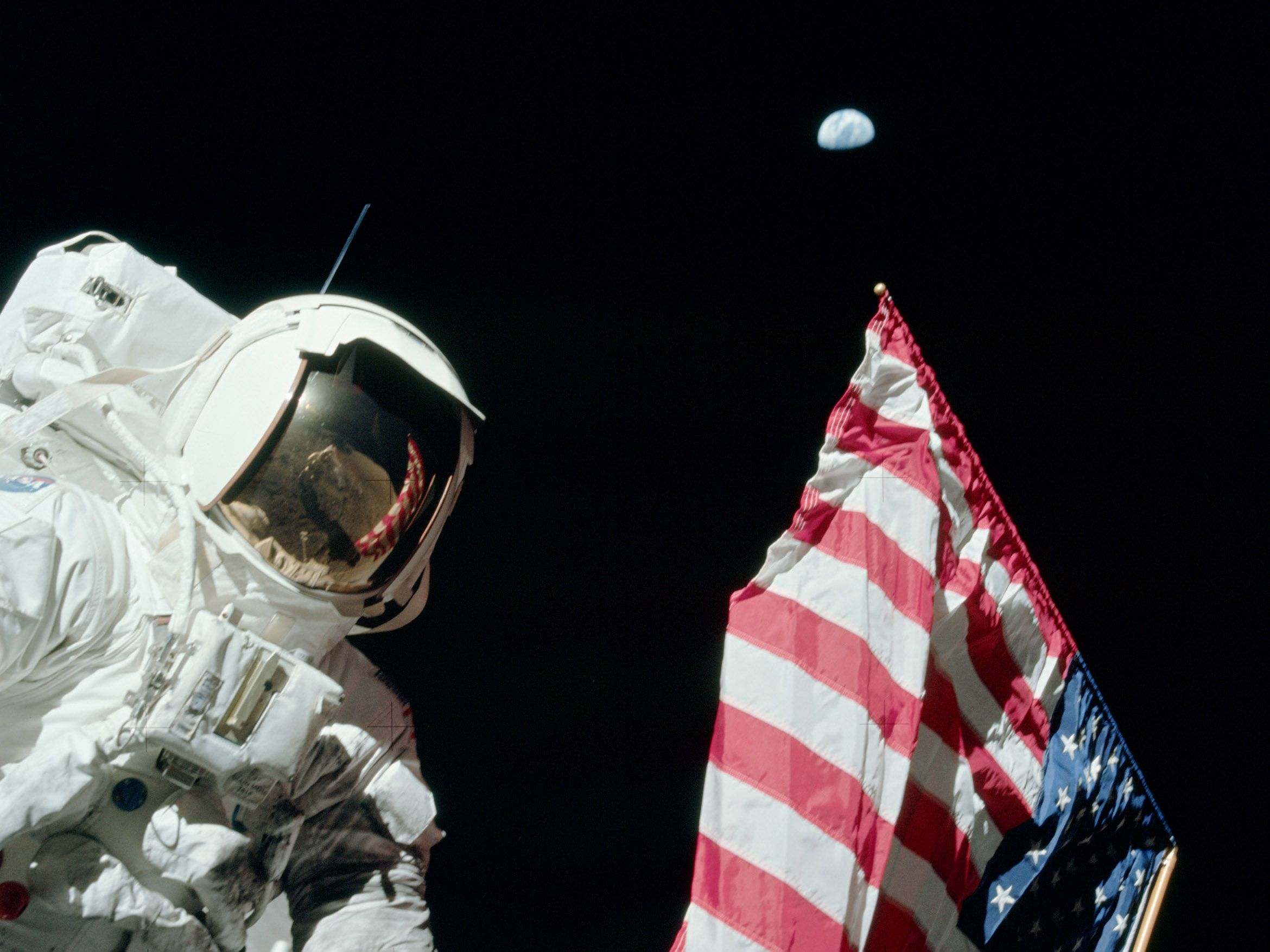 06_06_moon_astronaut_nasa