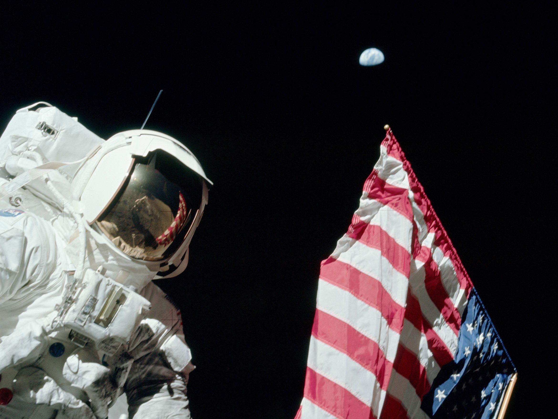 06_06_moon_astronaut_nasa