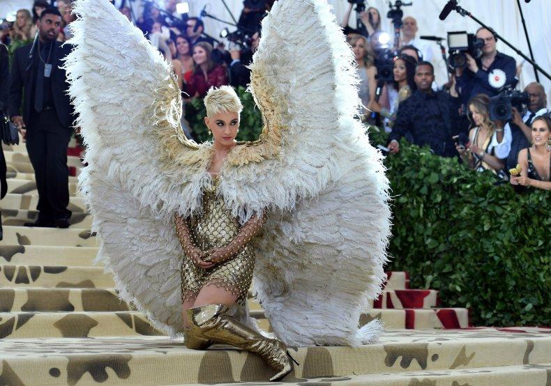 6_8_Katy Perry Met Gala