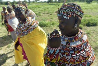 06_08_african women