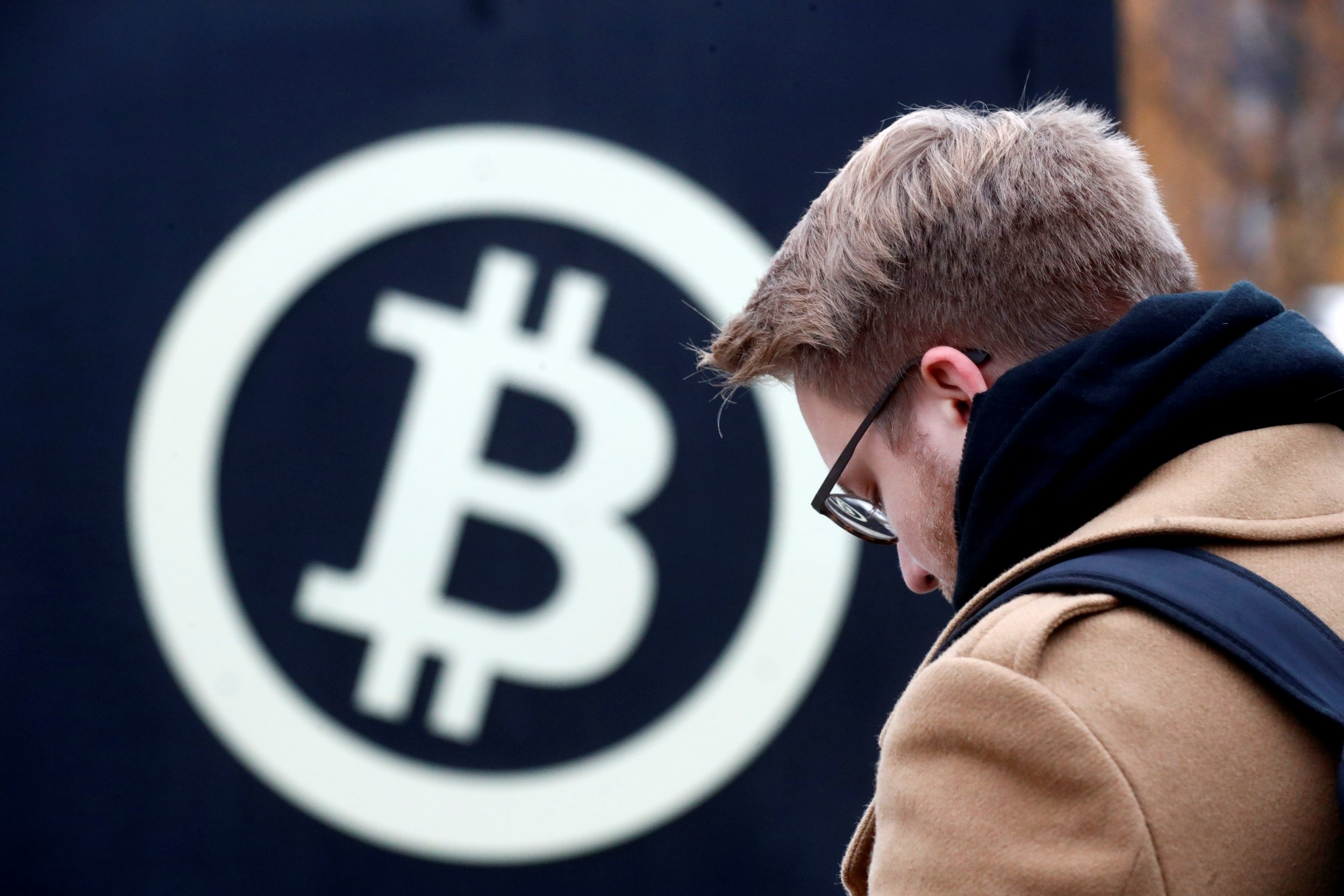 Bitcoin Loses 10% of Value in 24 Hours, Crypto Down 14% Worldwide