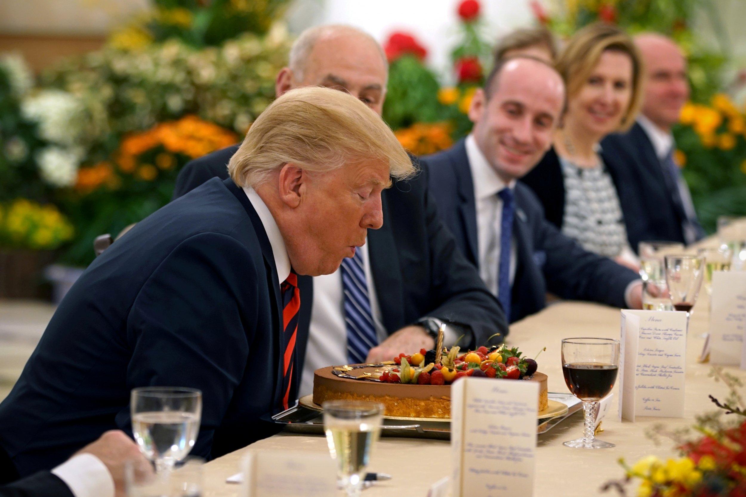 06_11_Trump_cake