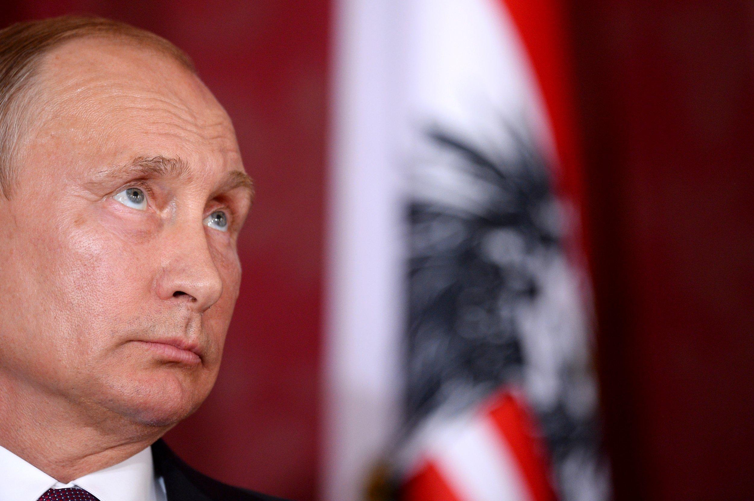 Could garbage bring down Putin? | Opinion