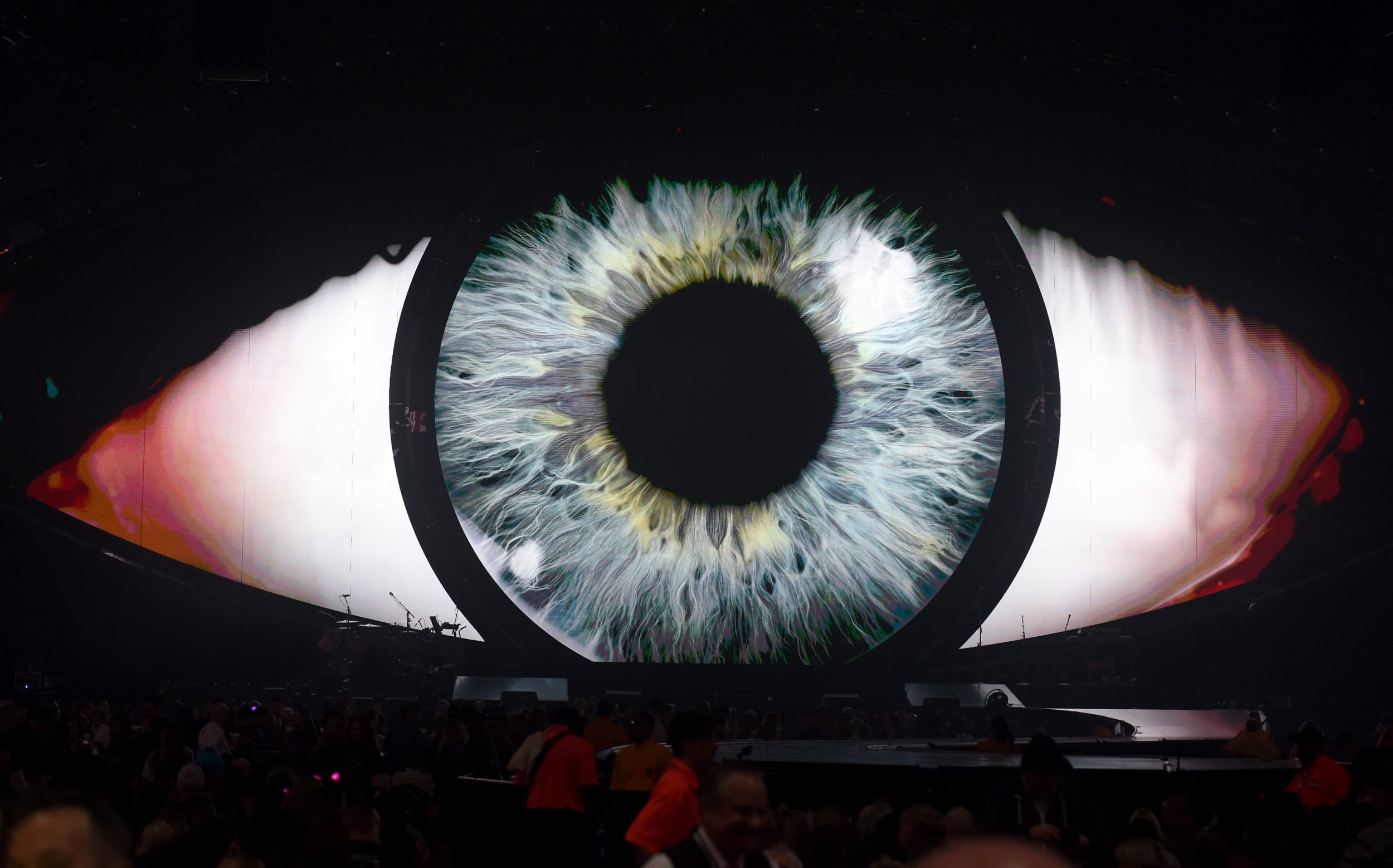 06_13_eye