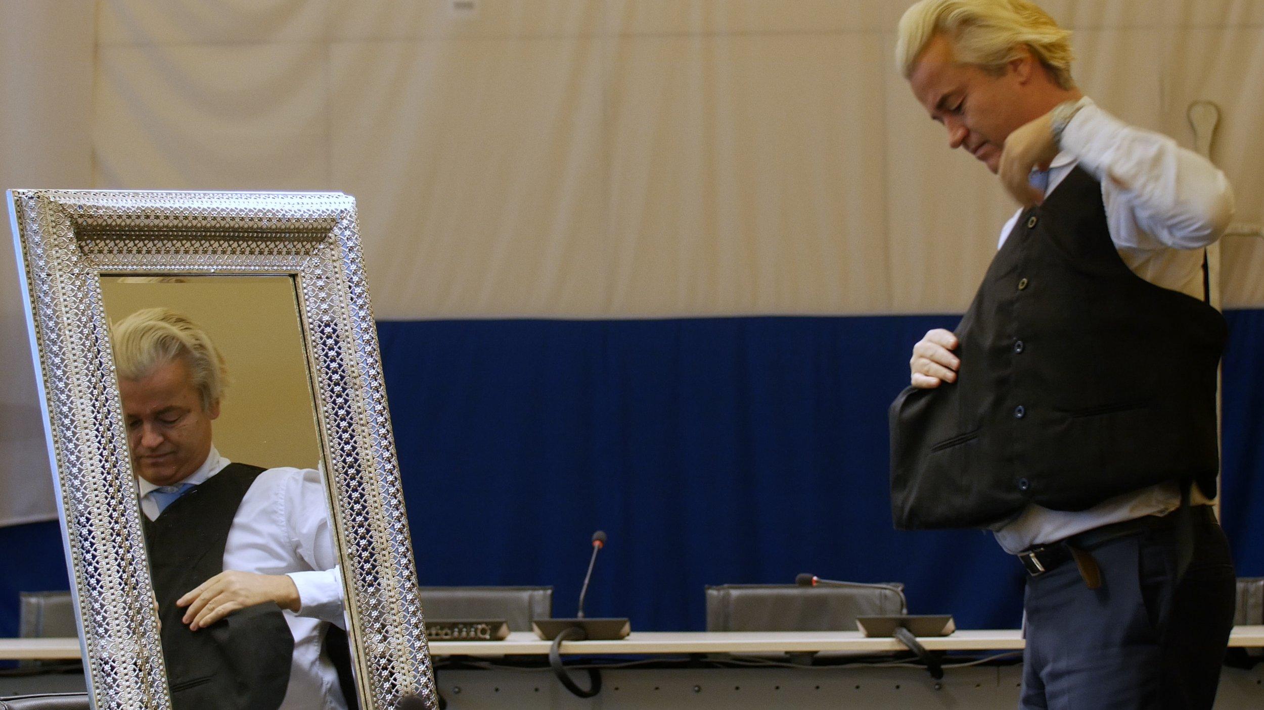 06_15_Wilders_Bullet proof vest