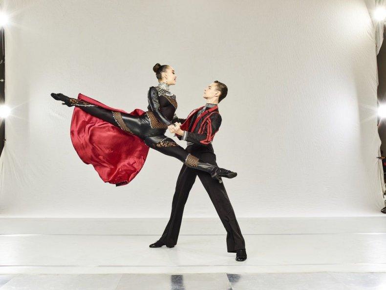 World of dance season 2 episode 14 the cut 2 recap live blog results ballroom dancers junior Jonas and Ruby divisional finals