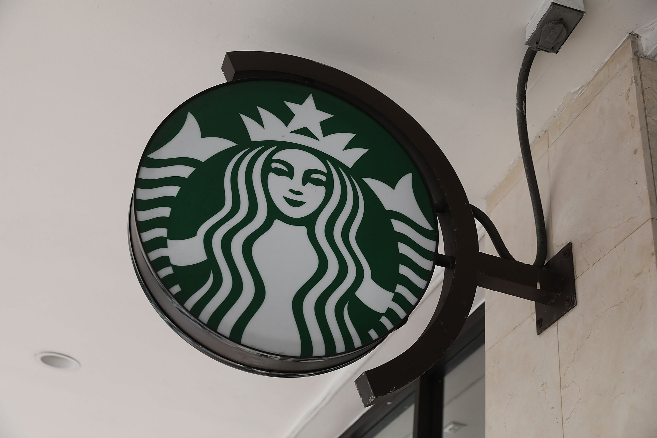 Starbucks Ceo Sales Are Down Because People Are Too Healthy To Buy