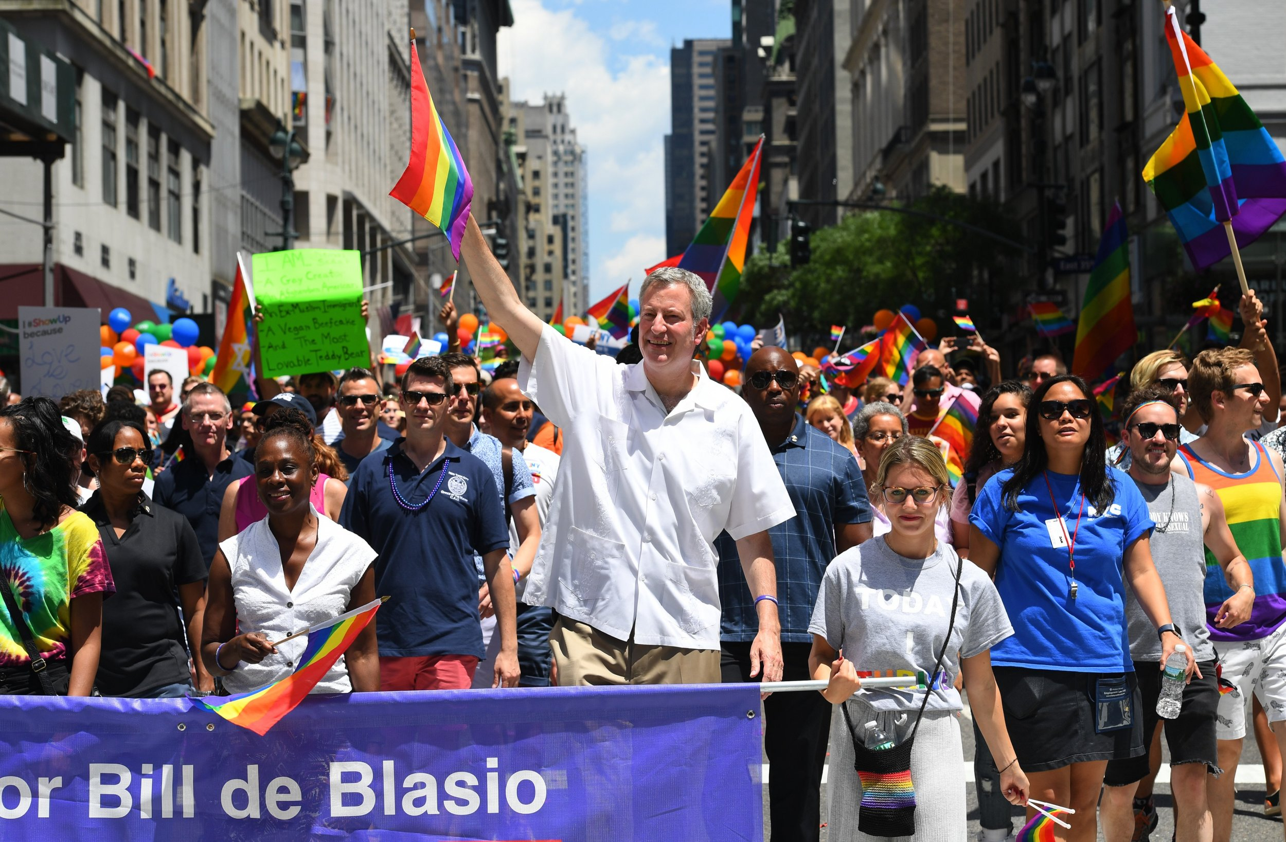de blasio pride parade