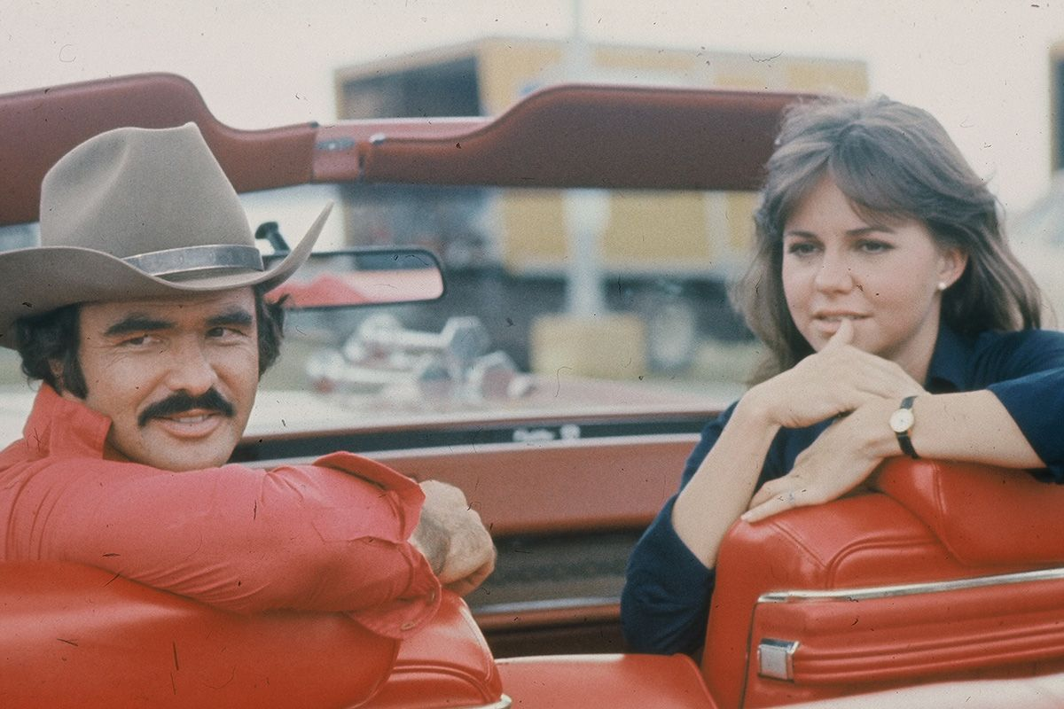 2 burt-reynolds-and-sally-field-in-smokey-and-the-bandit-1363973185