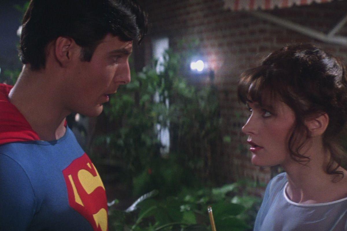 4 superman-1978-lois-lane-and-superman-2