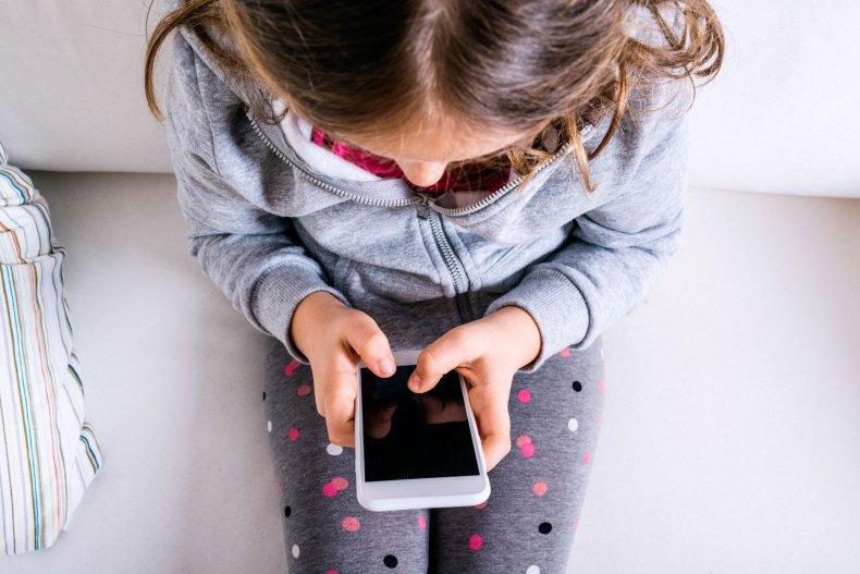 phone-child-stock