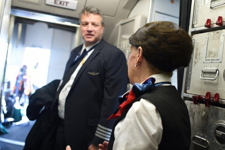 6_25_Flight attendant