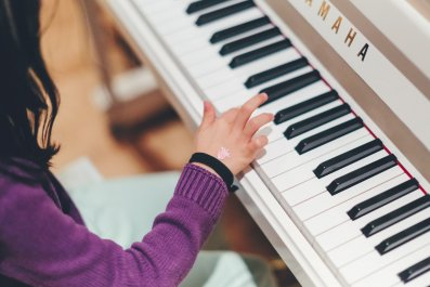 piano-child-stock